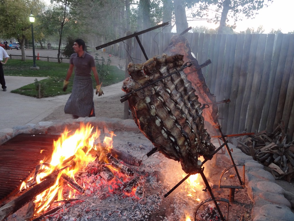 Barbecue argentine style in mendoza delicious voyages - Barbecue argentin ...